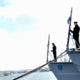 Neljapäeval arvati Tallinnas mereväebaasis korraldatud tseremoonial teenistusest välja mereväe esimesed miinijahtijad, Saksamaal ehitatud Sulev ja Wambola. EML Sulev oli kaheksa aastat Kuressaare linna vapilaev.
