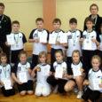 Saaremaa ühisgümnaasiumi lapsed said hakkama saavutusega, mida juhtub üliharva. Nimelt võideti Eesti Koolispordi Liidu 1.–3. klasside rahvastepallivõistlused nii tüdrukute kui ka poiste arvestuses.