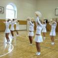 """28. märtsil toimus Kuressaare vanalinna koolis maakondlik võimlemisfestival """"Kauni rühiga ellu"""". Juba mitmendat aastat leiab Saaremaa võimlemisklubi Gymnastica esinaine Tiiu Haavik endas jõudu korraldada seda elamusi ja häid ideid pakkuvat üritust."""