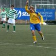 Eelmises Eesti jalgpalli meistriliiga voorus Sillamäe Kalevi alistamisega kõneainet pakkunud saarlaste meeskond lõhkas laupäeval Tallinnas järgmise üllatuspommi. Meistritiitlit jahtiv Tallinna FC Flora alistati Martti Puki väravaga 1 : 0.