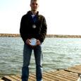 Saaremaa Merispordi Seltsi purjetaja Aksel Artus (18) tõi üle kolme aasta Saaremaale purjetamise tiitlivõistluste medali. Itaalias Garda järvel peetud Zoom8 paadiklassi Euroopa meistrivõistluste tulemuse kohta arvab noormees ise, et ei oleks sellist tulemust endalt oodanud.