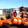 Kuressaare jahisadama uued meremärgid varustatakse pooletonniste betoonist raskustega, mis võimaldab toodrid talveks merre jätta.