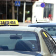 Kuressaare linnavolikogu liige Enn Rettau leiab, et linnavalitsus peab tõsisemalt tegelema taksode järelevalvega, sest siinsed taksod on sageli räpased ning rikuvad sel viisil Kuressaare linna mainet.