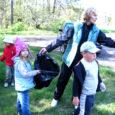 Kuressaare linna lasteaiad said keskkonnainvesteeringute keskuselt (KIK) 82 266 krooni, et arendada lastes keskkonnateadlikkust. Alates eelmisest sügisest ongi kõik päevakodud käinud eri aastaaegadel looduses väljasõitudel ning hiljem jäädvustanud nähtu paberile.