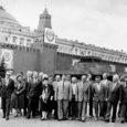 Kakskümmend aastat tagasi, 25. mail 1989 võtsid Moskvas Kremli kongresside palee istungitesaalis koha sisse 2155 saadikut, nende hulgas ka saarlaste esindaja, Saare Kaluri kolhoosi esimees Peeter Jalakas. Algas NSV Liidu rahvasaadikute I kongress.