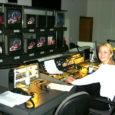 Kunagine Kuressaare tüdruk Kadi Katarina Priske, keda enamasti lihtsalt Kadiks kutsutakse, töötab juba ligi kümme aastat riigitelevisioonis. Aga arvata, et ta pika praktika järel oma töökohast tüdinud on, oleks patuasi – Kadi räägib oma tööst nii suure vaimustusega, et lausa kade hakkab.