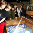 Eile Kuressaare linnuses toimunud ajalookonverentsil esitleti kohalolnuile kaks aastat tagasi Kaarma vallas Kuke külas leitud mündiaaret ning läinud aasta sügisel Salmel avastatud muinaslaeva esimest rekonstruktsiooni.