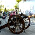 Laupäeva õhtul kuulutas vana suurtükk avapauguga avatuks muuseumiöö, mida rahvusvahelise muuseumipäeva raames korraldati Kuressaare linnuses esimest korda. Juba esimese kahe tunniga ületas külastajate arv muuseumitöötajate ootused – muuseumisse oli tulnud umbkaudu tuhat inimest.