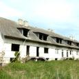 Kaarma vallas Randveres asuva majakarbi omanikud on küsinud vallavalitsuselt luba, et lammutada aastaid tühjana seisnud paneelmaja, mis ehitati nn Vene aja lõpus ja oli planeeritud kuue korteriga elamuks.