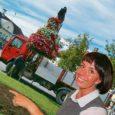 Kuressaare kunstinõukogu viskas oma esimesel koosolekul jõulise avaldusega kivi linna haljastajate kapsaaeda, leides, et Kuressaare avalikus ruumis on liiga palju lilli ja nende paigutamise põhimõtted paika panemata.