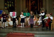 Kuressaare väikesed viiuldajad Rootsist tagasi