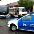 Kuressaare politseinikud ei pidanud millekski eile Kuressaare kesklinna keelualal parkinud Soome turismibussi, mille tabloo teatas, et juht on kohvipausile läinud.