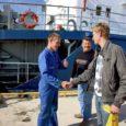 Sõrves kuu aega tagasi juhtunud liiklusõnnetuses kaduma läinud rahakott jõudis üleeile omaniku kätte tagasi, kui kukru leidnud vene meremees selle Mõntu sadamasse oli toimetanud.