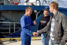 Vene kaubalaeva madrus leidis ja tagastas kadunud rahakoti