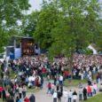 Ivo Linna 60. juubelikontsert Kuressaare lossihoovis kujunes Saaremaa pealinna mitme aasta tippsündmuseks. Kindlasti üle 3000 inimese kogunes oma linna poisile õnne soovima.