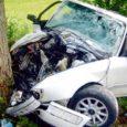"""Laupäeva hommikul tegi 24-aastane Rando Valjala vallas avarii. Juht viidi Kuressaare haiglasse. """"Laupäeval kell 5.45 sai politsei teate, et Sakla–Siiksaare maanteel on Orissaarest suunaga Kallemäe poole autoga vastu puud sõidetud,"""" […]"""