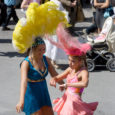 Viis päeva Kuressaares toimunud Sambafestival sai uhke lõppakordi kui festivalil osalejad liikusid rongkäigus kesklinna.