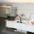 Juulikuu algusest tegutseb töötukassa Saaremaa osakond Kuressaares Tallinna tänava Ajamaja avaramates ja kaasaegsemates ruumides. Osakonna juhataja sõnul oli asutuse kolimise üheks põhjuseks asjaolu, et praeguses majandusolukorras muutusid seni Kitsa tänava hoones nende käsutuses olnud ruumid üha enam kasvava klientuuri tõttu kitsaks.