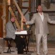 Läinud neljapäeval andis oma juubelituuri ainsa Saaremaa-kontserdi Püha kirikus Jassi Zahharov. Teda saatis klaveril Margus Kappel.