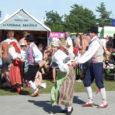 Nädalavahetusel meelitas 13. Õlletoober, üks lihtne pidu Saaremaal, nagu korraldajad ise siinse õllefestivali kohta kenasti öelnud, Oitme kadakasele karjamaale bändide, tantsurühmade, solistide ja teiste esinejate etteasteid kuulama-vaatama, ise sportlikes jõukatsumistes kaasa lööma ja lihtsalt ilusat ilma nautima tuhandeid inimesi lähemalt ja kaugemalt. Suupistete pakkujaid oli kohale sõitnud isegi Eestimaa teisest otsast.