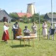 Sel nädalavahetusel sai Leisi vallas Pärsamal kokku üle kolmekümne külapillimehe, kes lisaks esinemistele kohalike ees nii Leisis kui Pärsamal viisid valla kümnes külas läbi ka traditsioonilise hommikuse äratusmängu.
