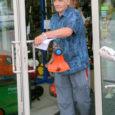 Esmaspäeval selgusid kaks õnnelikku Oma Saare tellijat, kes sel suvel niidavad oma muru kampaaniakorras võidetud trimmeri ja muruniidukiga. Husqvarna muruniiduki ja trimmeri pani auhinnaks välja Electrumi ärimajas tegutsev Tehnikapood Tempore.