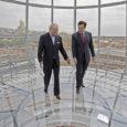 Sel nädalal oli maailma ajakirjanduse tähelepanu all USA asepresidendi Joe Bideni visiit endistesse Nõukogude liiduvabariikidesse Ukrainasse ja Gruusiasse. Lehed märkisid, et Bidenil oli vaja ajada niit läbi kitsa nõelasilma: nimelt pidi ta andma oma liitlastele julgeolekutagatised, kuid sealjuures ei tohtinud ta tekitada uut vastasseisu Venemaaga.