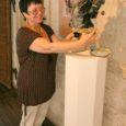 Alates tänasest saab Kuresaare linnuse kaitsetorni VI korrusel näha Ida-Virumaa nukumeistri Svetlana Vetrova loomingut. Väljapanekul on 16 ainueksemplari, neist 12 Kuressaares esmaesitlusel ja neli vanemad tööd.
