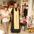 Esmaspäeva õhtul õnnistas Soome õigeusu kiriku õpetaja isa Kalevi Kuressaares Tallinna tänaval asuvat sisustusbutiiki, mis nüüd kuulub eesti-soome perekonnale.