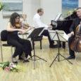 Tänavused Kuressaare kammermuusika päevad, sedakorda 15-ndad, said võimsa avalöögi teisipäeva õhtul kultuurikeskuses. Juba traditsiooniliselt istus klaveri taha festivali peakorraldaja ja kunstiline juht Andres Paas, kes seekord oli enesega koos esinema kutsunud viiuldaja Julia Igonina ja tšellist Rustam Komatškovi, mõlemad andekad muusikud Venemaalt.