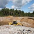 Pärnumaal registreeritud ettevõte ValiceCar OÜ on seaduse ebamäärasust ära kasutades tekitanud kõlvatu konkurentsi Euroopa Liidu rahastatavatel ehitusobjektidel Saare maakonnas.
