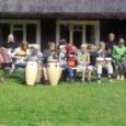 Möödunud nädalavahetusel osales 22 trummimänguhuvilist 5–14-aastast last Valjalast, Muhust, Orissaarest ja Tartust pilliõpetaja Jarmo Moilaneni eestvedamisel esmakordselt trummilaagris, mis korraldati Muhus Nautse Mihklil.