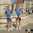 """16-aastane Thorwald-Eirik ja 14-aastane Theodor Kaljo Kuressaarest osalesid koos kahe rumeenlase ja 48 prantsuse noorega ainsate eestlastena 15.–22. augustini Prantsusmaal Euroopa tuuril """"Vabaduse ja ühtsuse nimel"""", mis oli korraldatud Euroopa Liidule alusepanija Robert Schumani auks."""