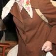 """Laupäeval oli soomlastest teatrihuvilistel ja Helsingis töötavatel eestlastel võimalus hubases Koko teatris kaasa elada Jüri Tuuliku kirjutatud loole """"Meretagune asi"""", mille on lustakaks lavastuseks seadnud Haapsalu harrastusteatri Randlane lavastaja Maie Matvei."""