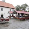 Kuressaare linnavolikogu linnakodanikukomisjon otsustas teisipäeval, et linnavalitsus peab koostama linnaturu kohta kontseptsiooni.
