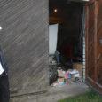 Teisipäeva õhtul tungiti Kuressaares Paju tänaval asuvate garaažide juures kallale 34-aastasele Margole. Viis purjus meest ähvardasid teda, lõid ning varastasid seejärel ära tema tööriistad.