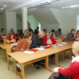 Eile alustas Kuressaares Pargi tänav 5A majas Ülikoolide Keskuses Saaremaal (ÜKS) Tallinna ülikooli rakendusliku sotsiaaltöö magistriõpe. 16 inimesest, kes eile õpinguid alustas, enamik seda oma kinnitusel teinud ei oleks, kui pidanuks minema pealinna.