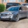 Järgmisel nädalal astuvad Kuressaares kohtu ette kolm alaealist noormeest, kes tänavu suvel varastatud kärakalaadungiga politsei eest põgenedes Kuressaares avarii tegid.
