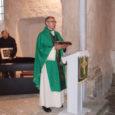 Üle-eestiline leivanädal lõpetati pühapäeval lõikustänupüha missaga ja uudseleiva õnnistamisega Pihtla vallas Püha kirikus.