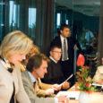 Kuressaare linnavolikogu VI koosseisu viimasel istungil osales eile väikese hilinemisega ka linnavolinik Marek Raud (seisab), kellele see oli esimene istung. Raud sai volikogu liikmeks, kui Rahvaliidu nimekirjas volikokku pääsenud Ülle Puppart oma kohast eelmisel nädalal loobus.