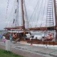 Täna algavad Kuressaare 17.merepäevad. Raiekivi säärelkaks päeva kestval merepeol onavatud laadaalad, publiku etteastuvad ansamblid, toimuvadpõnevad mängud nii väikestelekui ka suurtele ning meresõituteevad uuemad ja vanemadlaevad. Merepidu läheb lahti täna,kui kõikidele […]
