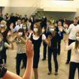 Neljapäeval tantsis Saaremaa ühisgümnaasiumis vahetundide ajal üle-eestilise gripivastase liikumise päeva puhul praktiliselt terve kool.