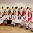 Kuressaare tantsuveteranide rühm Pihlakas ootab kõiki oma 10. juubelikontserdile, mis toimub 4. detsembril kell 19 Kuressaare kultuurikeskuses. Näha saab rühma lemmiktantse ja aastate jooksul õpitut.