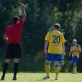 Maakonna suurimal jalgpalliklubil FC Kuressaare on jälle pahandusi maksmata arvetega, mida on kogusummas ligi pool miljonit krooni. Raha on saamata jäänud transpordiettevõtetel ja ka Kuressaare spordikeskusel.