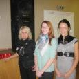 Eile, ülemaailmsel aidsivastasel päeval näitasid Punase Risti Saaremaa seltsi noored Kuressaare gümnaasiumis vahetundide ajal aidsiteemalist noortele mõeldud filmi. Enne filmi näitamist süüdati aidsiohvritele mälestusküünlad.
