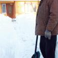 Torgu vallavolikogu esimehe Mihkel Undresti sõnul kulub Sõrvel enda väljakaevamisele kesknädalal kõik oma alla matnud lumest mitu päeva, sest veel eile lõuna paiku olid seal elumajadki poolest saati lumme uppunud.