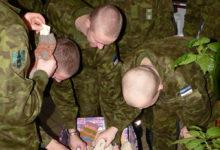 Saarlased kudusid oma saare sõduritele 139 paari sokke