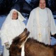 Jõululaupäeval oli Pöide kirikulistele suureks üllatuseks, kui neid pühakojast välja tulemisel ootasid ees eesel Manta ja lammas Hiiu. Loomad oli kiriku juurde toonud perekond Pennanen Laimjala vallast Ruhve külast.