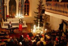 Birgit Õigemeel ja Uku Suviste tegid jõulukontserdi Jämaja kirikus