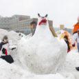 Tänavu, kui lumehanged taevani, on oma jõud lumelinnaku ehitamiseks otsustanud ühitada Kuressaare noorte huvikeskus ja Kuressaare Kultuurivara.